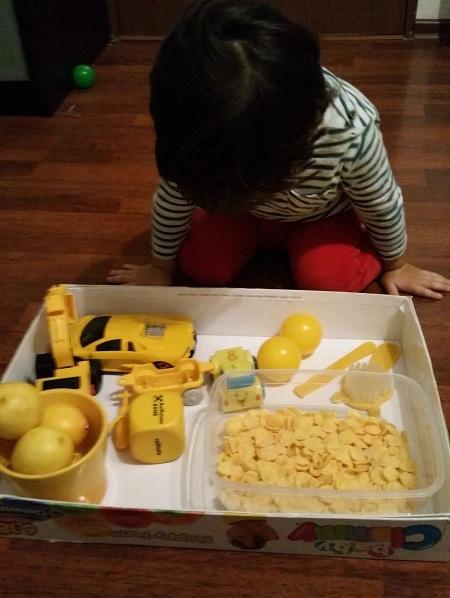 copilul-invata-culoarea-galben