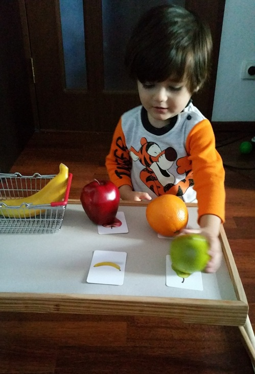 copilul-invata-fructele