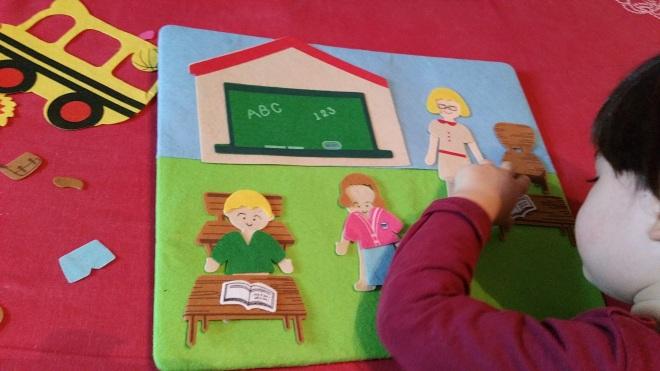 joc-de-asociere-pentru-copii-obiecte-scoala